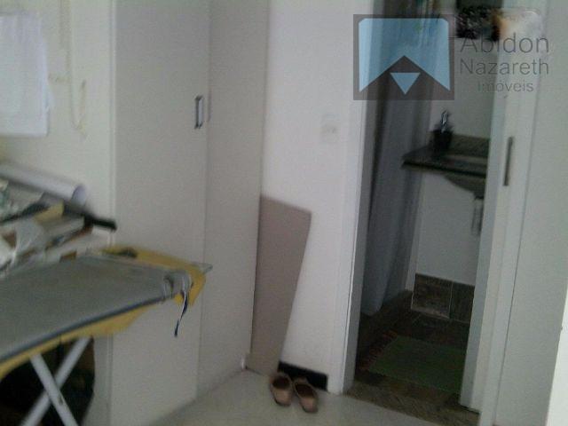 casa duplex em condomínio fechado com porteiro e portão eletrônico. câmeras de segurança em todo o...