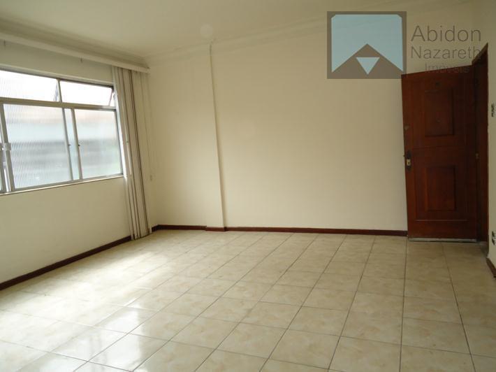 Vendo apartamento 3 quartos, com vista para o Campo de São bento.