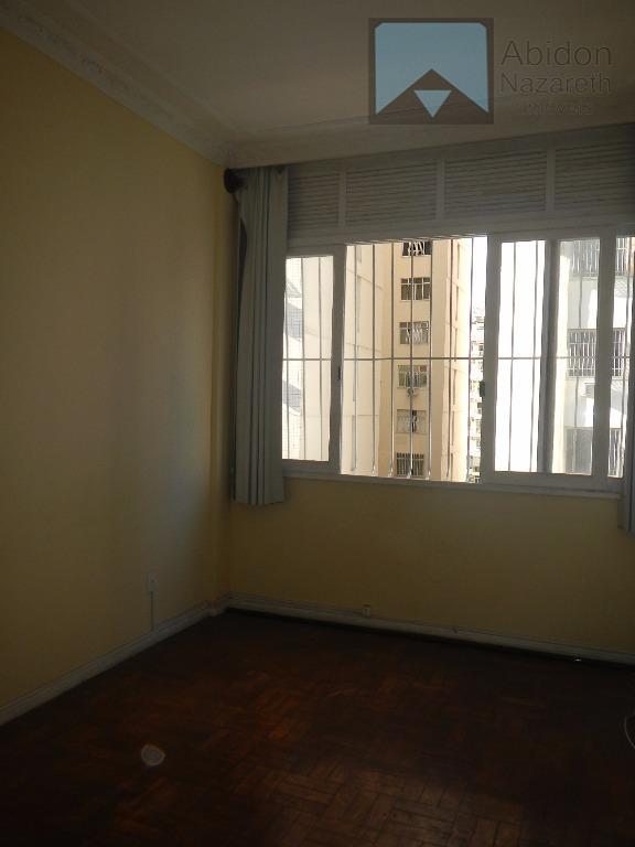 Apartamento para locação, Gavião Peixoto 336 - 702, Icaraí, Niterói.