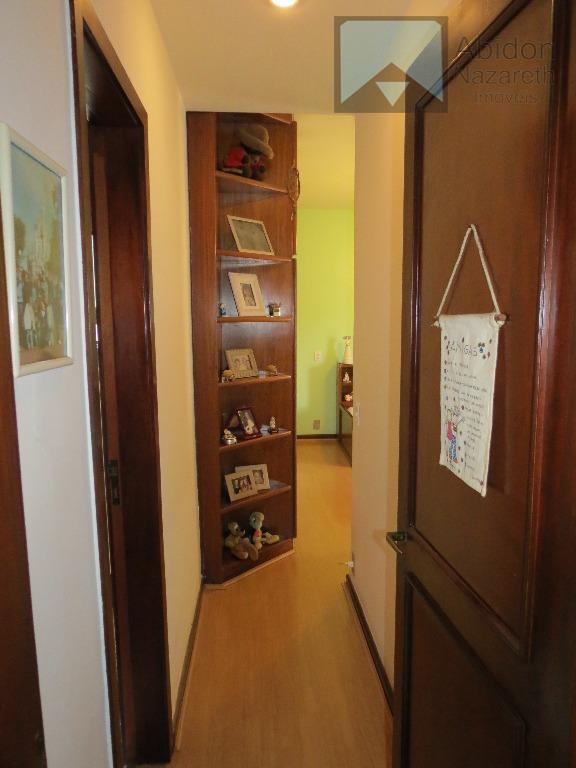 apartamento 04 quartos, 03 suítes, 05 varandas, 02 vagas de garagem na escritura. prédio com apenas...