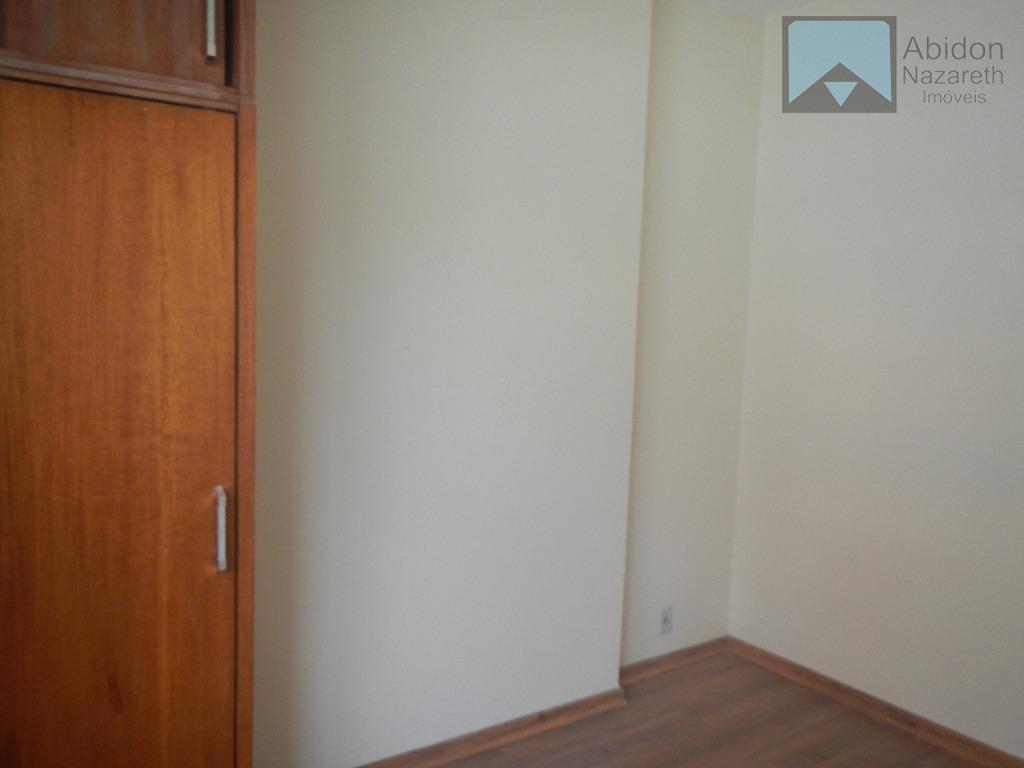 apartamento 02 quartos (1 suíte) banheiro social, cozinha americana, dependência completa de empregada revertida como escritório,...