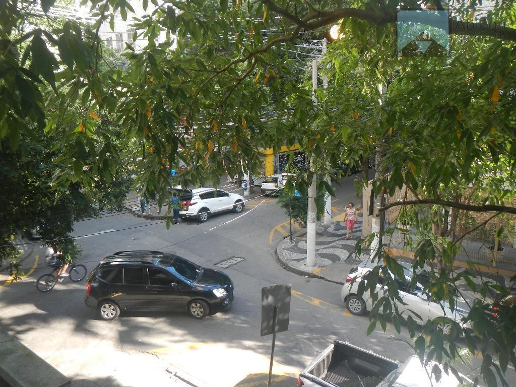 Apartamento R. Tavares Macedo esquina c/R. Otávio Carneiro