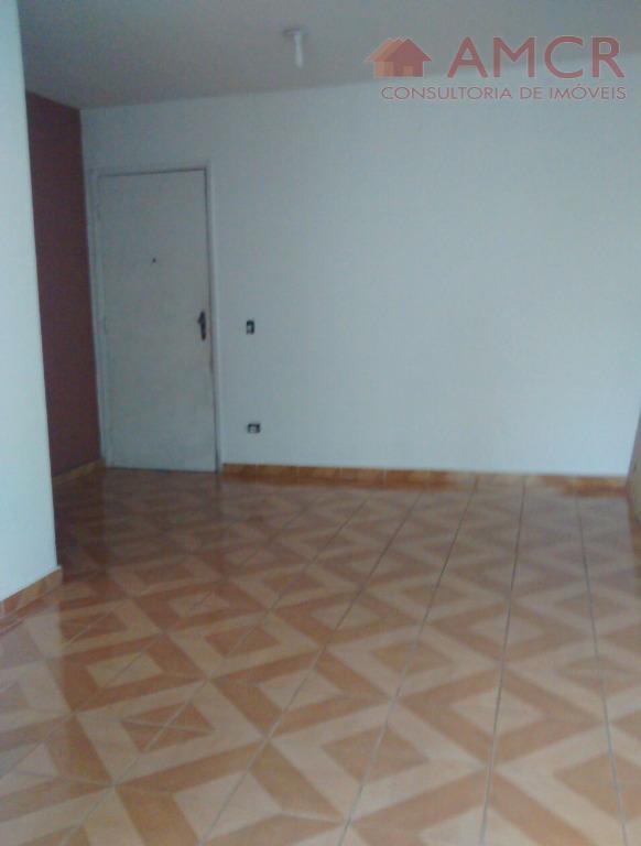 apartamento com ótima localização na regente feijó (bairro anália franco), há 800 metros do shopping anália...