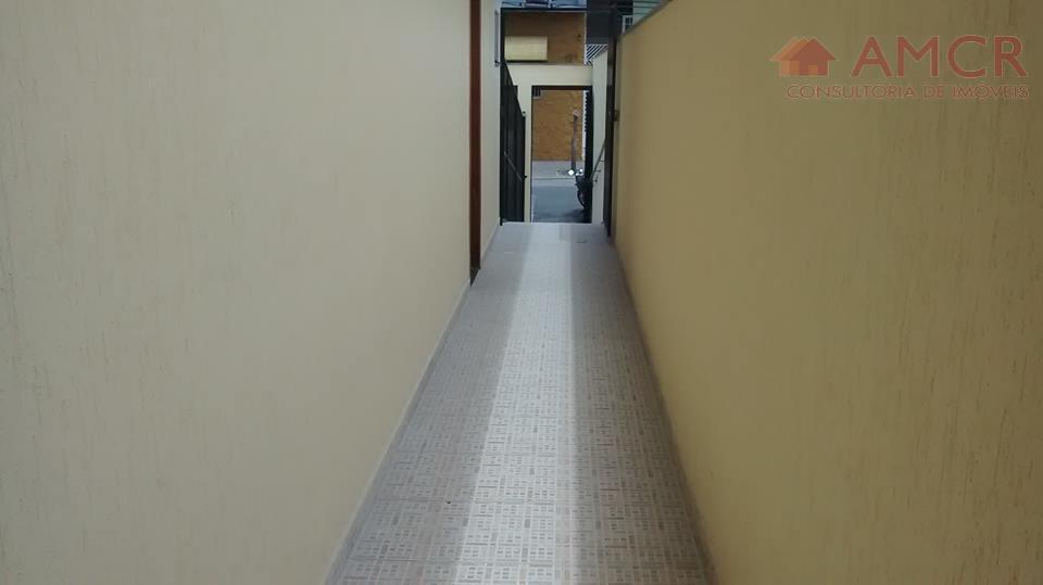 kitnet de aproximadamente 30 m² para locação, com 1 dormitório, sala, cozinha, banheiro e não possui...