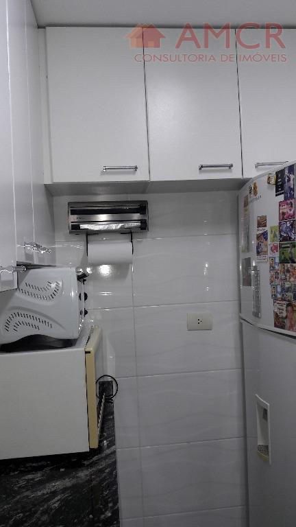 2 dormitórios com armário, sala, cozinha com armário, wc com box até o teto, 1 vaga...