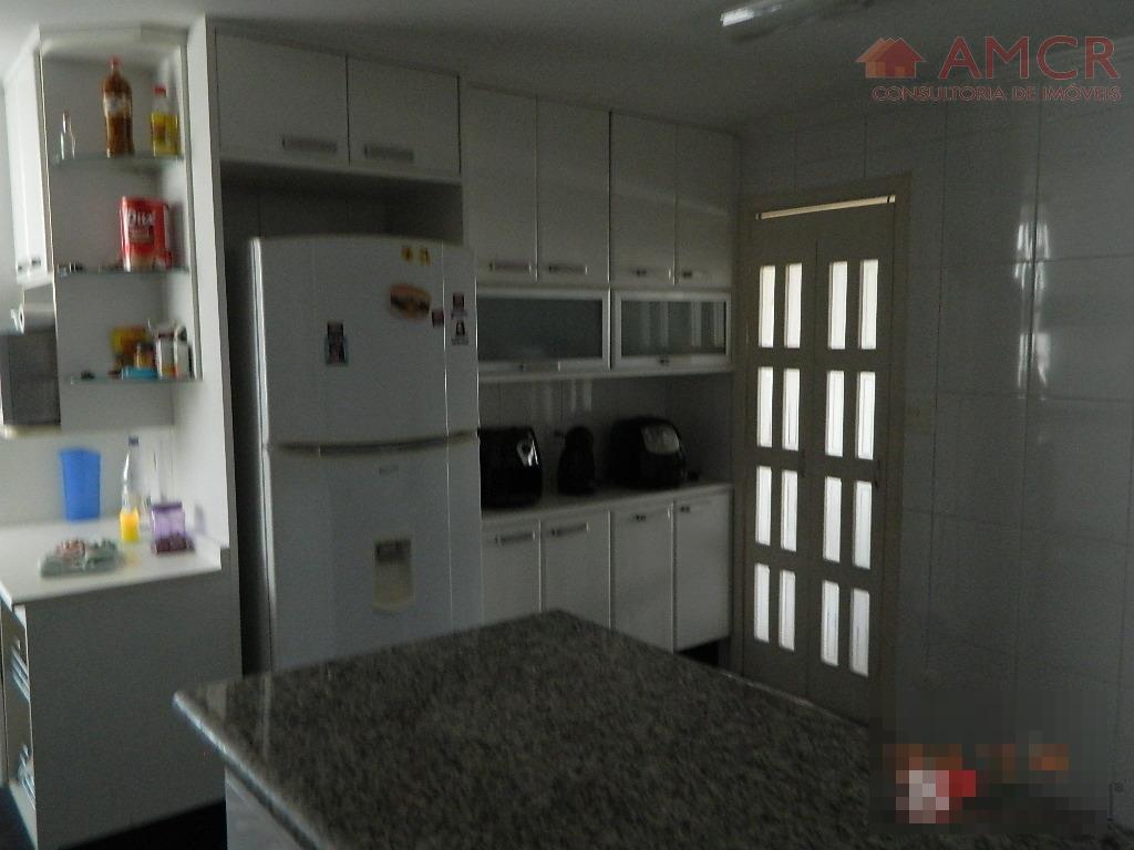 3 dormitórios com armários planejados, sendo 1 suíte, dependência de empregada com banheiro. com sala ampla,...