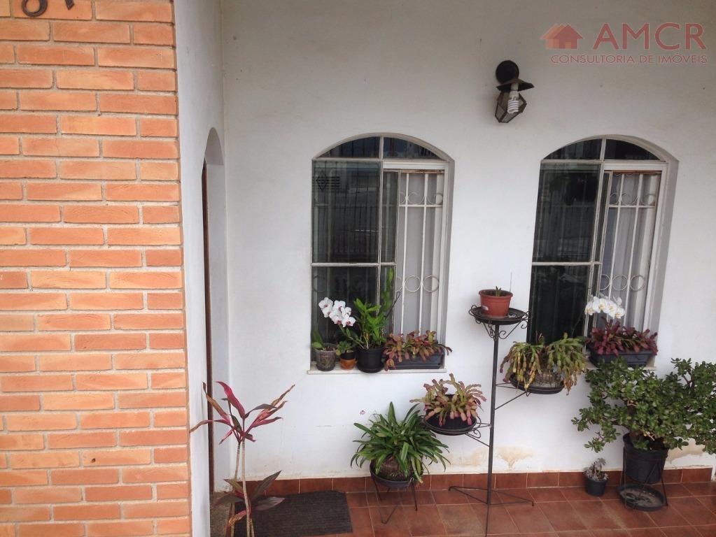 Excelente casa no Sesc, 176 m², 3 dorm, 1 suíte, 4 vagas, piscina, quintal espaçoso, aceita permuta até R$ 250 mil