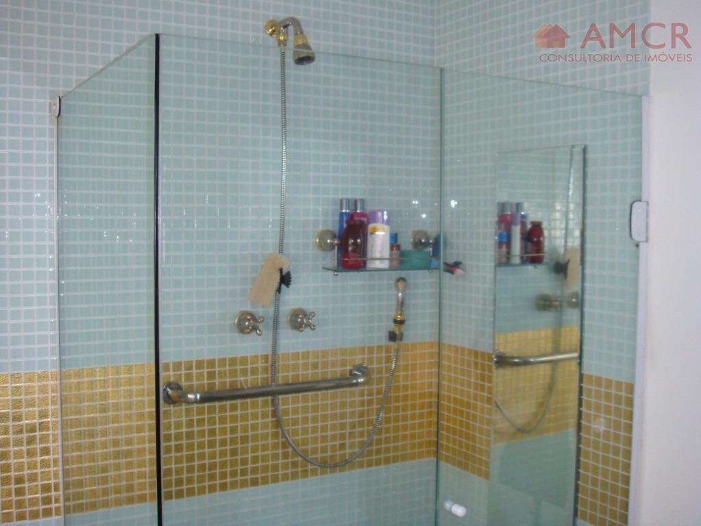 lindo e amplo apartamento no centro (avenida dos bancos), 125 m², 3 dormitórios com armários, sendo...