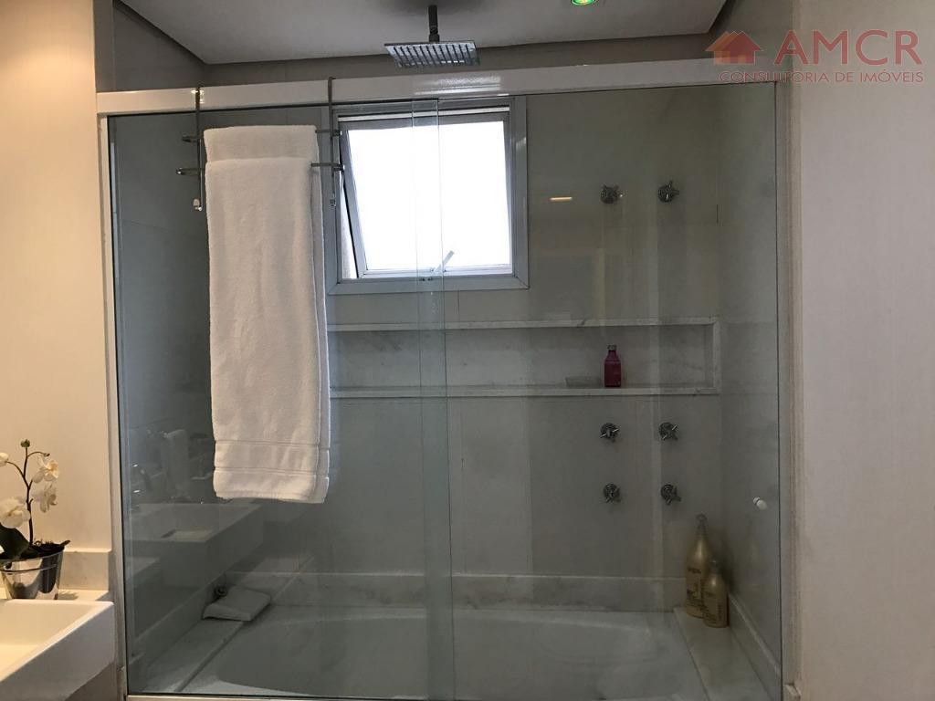 lindo apartamento, com 4 dormitórios, sendo 3 suítes, ar condicionado em 3 quartos, banheiro suíte todo...