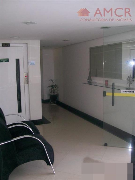 maravilhoso apartamento no 10º andar, frente para área interna e piscinas, 2 portas de saída, 2...