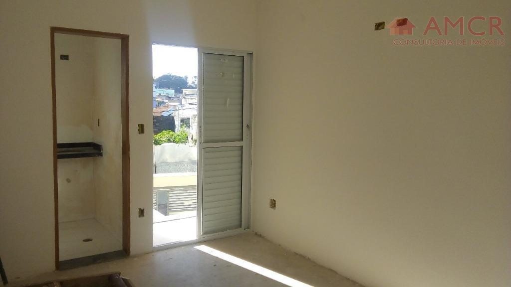 sobrado frontal, em uma excelente localização, 2 unidades que contém 2 suítes, wc, sala, cozinha, lavabo,...