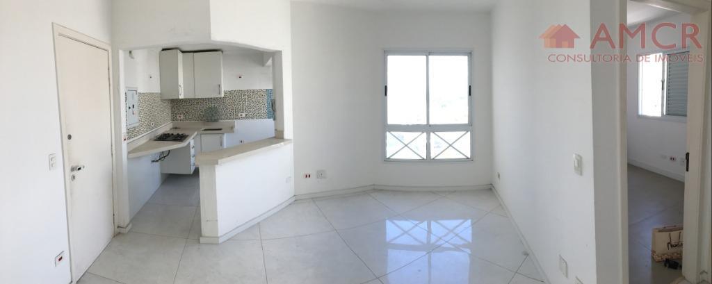 Excelente apartamento Cond. Orion, 57 m², 2 dorm, 1 vaga coberta, armários, piscina, shopping, permuta SJC até 500 mil