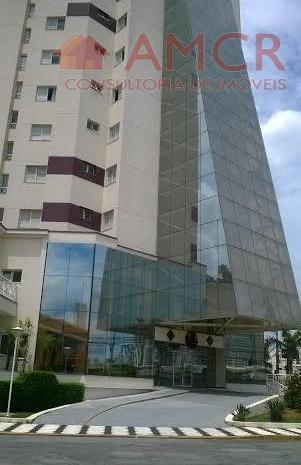 Apartamento elegante no Cond. Orion, 57 m², 2 dorm, 1 vaga coberta, reformado, piscina, localização privilegiada: more ao lado do Mogi Shopping e UMC