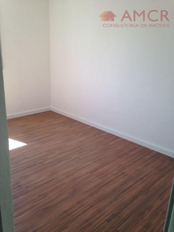 excelente apartamento no rodeio / jardim maricá, ensolarado, arejado, silencioso e com ótimo acabamento. possui 47...