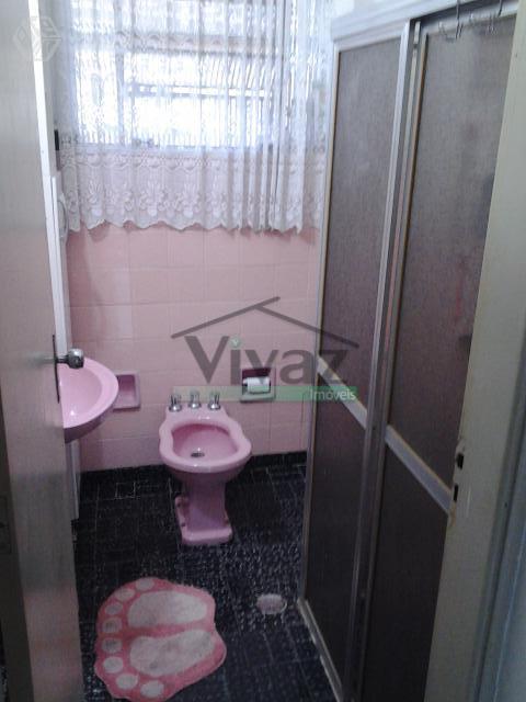 sobrado com 3 dorms , varanda, sala com 2 ambs, cozinha com arms, copa, banheiro, área...
