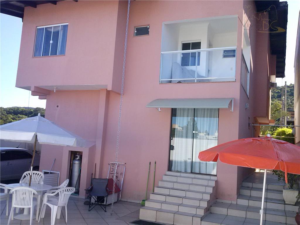 vende-sebairro do ariribábalneário camboriú scexcelente casa com 4 dormitórios (dorm) sendo 2 suítes;6 vagas de garagem;5...