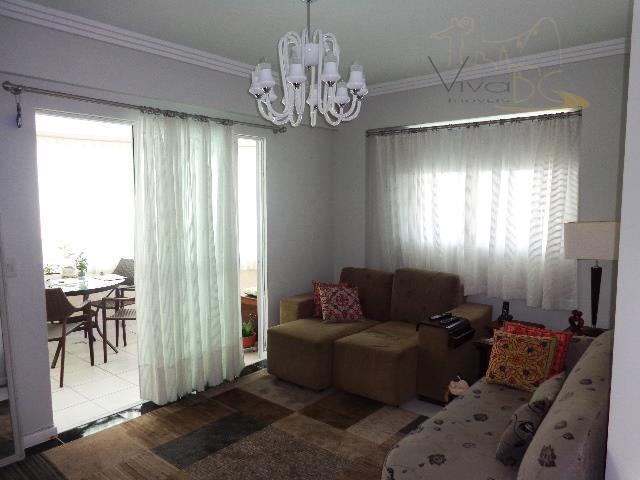 Ótimo Apto na Quadra do MAR - Barra Norte - possui 3 dormitórios (sendo 1 Suíte), com 2 vagas - Semi Mobiliado.