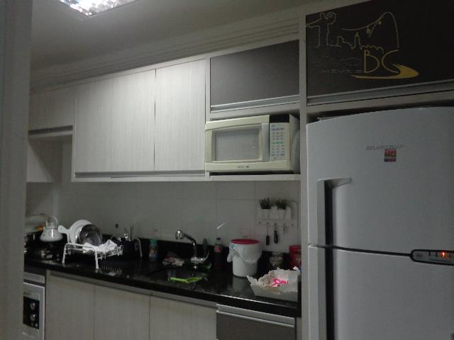 Lindo Apartamento  com 3 dormitórios e duas vagas de garagens, pronto para morar..