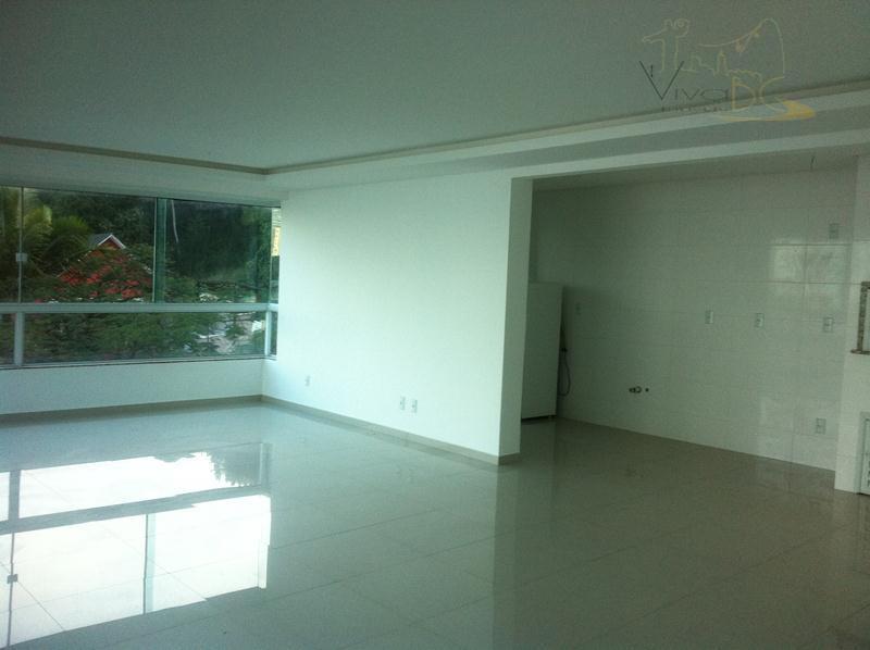 Lindo e amplo apartamento em  Balneário Camboriú.