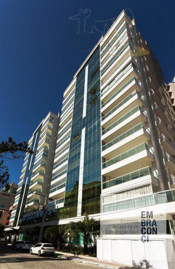 Maravilhoso apartamento com 4 suítes, sendo 1 master e 02 vagas privativas em Meia Praia - Itapema