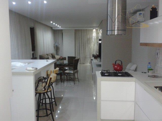Apartamento 3 suites no Pioneiros