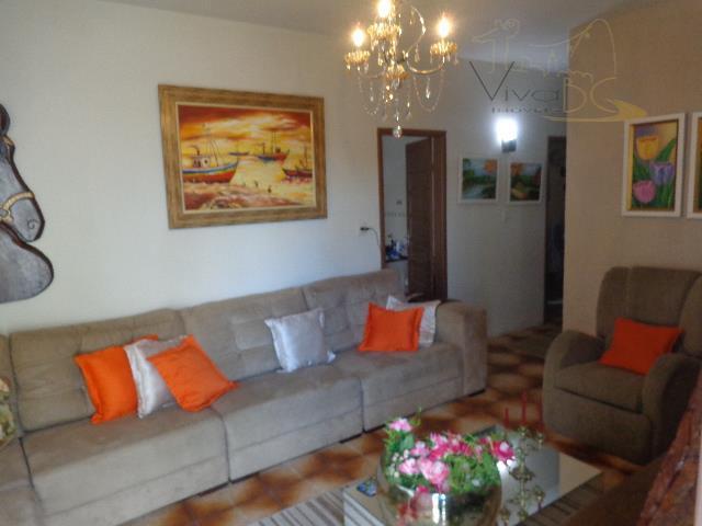 Ótima casa com 4 dormitórios, sendo 1 suíte master, 4 vagas de garagens em Balneário Camboriú.
