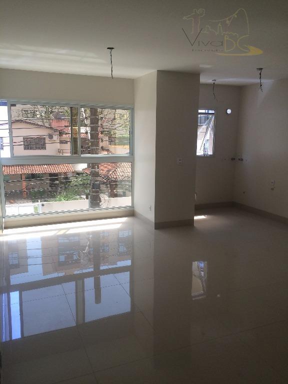 Excelente Apartamento Diferenciado com 2 Dormitórios, sendo 1 Suíte, 1 Vaga de Garagem e Área de Lazer - 500 METROS DO MAR.