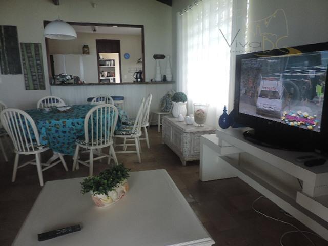 vende-sefrente marbalneário piçarras scmansão com 2 pavimentos:maravilhosa casa de frente para o mar em piçarras, possui...