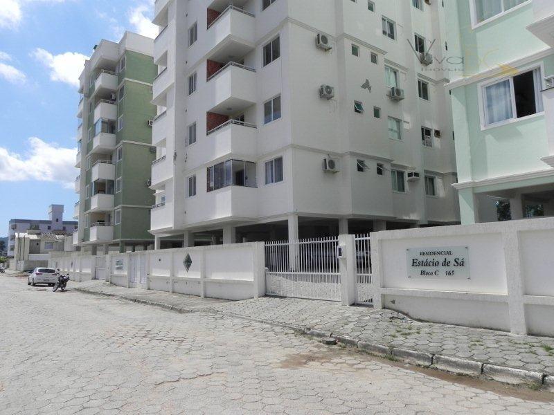 Ótimo apartamento MOBILIADO com 02 dormitórios, sendo 01 suíte, 1 vaga de garagem - pronto para morar