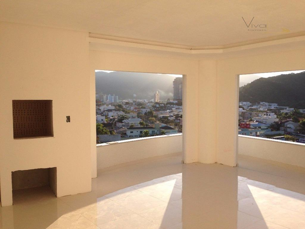Privilegiado Apartamento 3 Suites - 2 Vagas de garagem na Praia Brava
