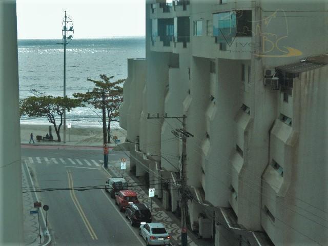 Lindo apartamento MOBILIADO, EQUIPADO e DECORADO de 3 dormitórios sendo 1 suíte, QUADRA MAR a 40 m do mar de 750 mil por 650 mil