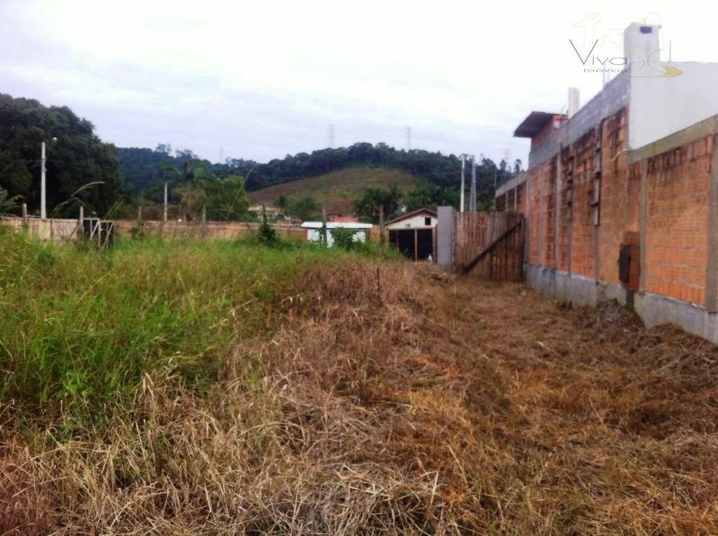 vende-seótimo terreno em camboriú, de esquina, no loteamento rio pequeno com mais de 400 m².terreno: de...