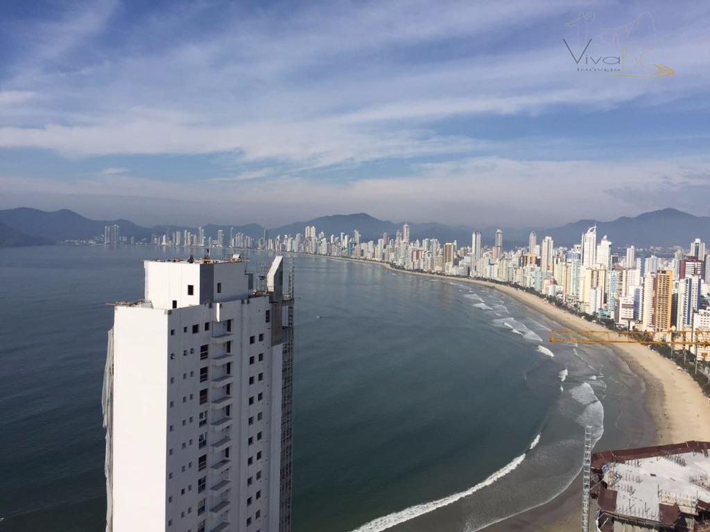 Apartamento com 3 ou 4 dormitórios e 3 vagas com vista exuberante da Praia Central de Balneário Camboriú