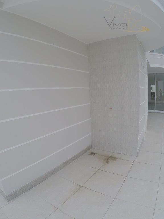 vende-sepraia bravaitajaí-sccasa duplex:esta maravilhosa casa possui 4 dormitórios sendo 4 suítes, 4 salas, 2 lavabos, 6...