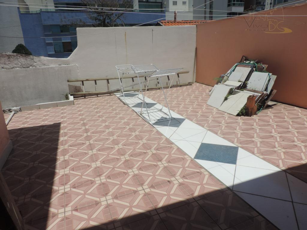 aluga-se por dia - para temporada2° quadra do marbalneário camboriú scimóvel:possui apartamento amplo com living de...