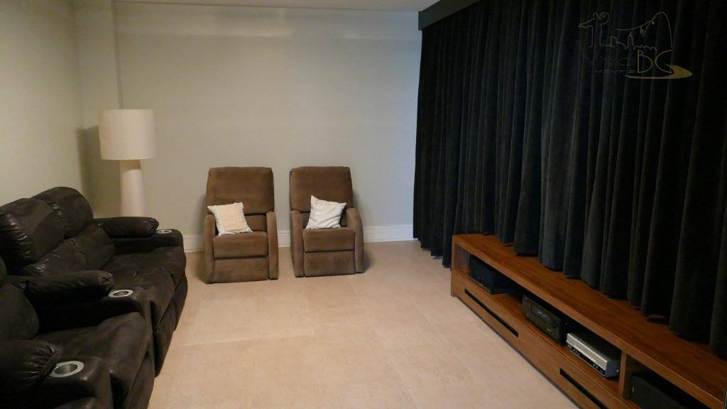 vende-secasa ( condomínio fechado).balneário camboriú-sccasa:3 suítes master sendo com sauna e closet ,1 suite standard ,terraço...