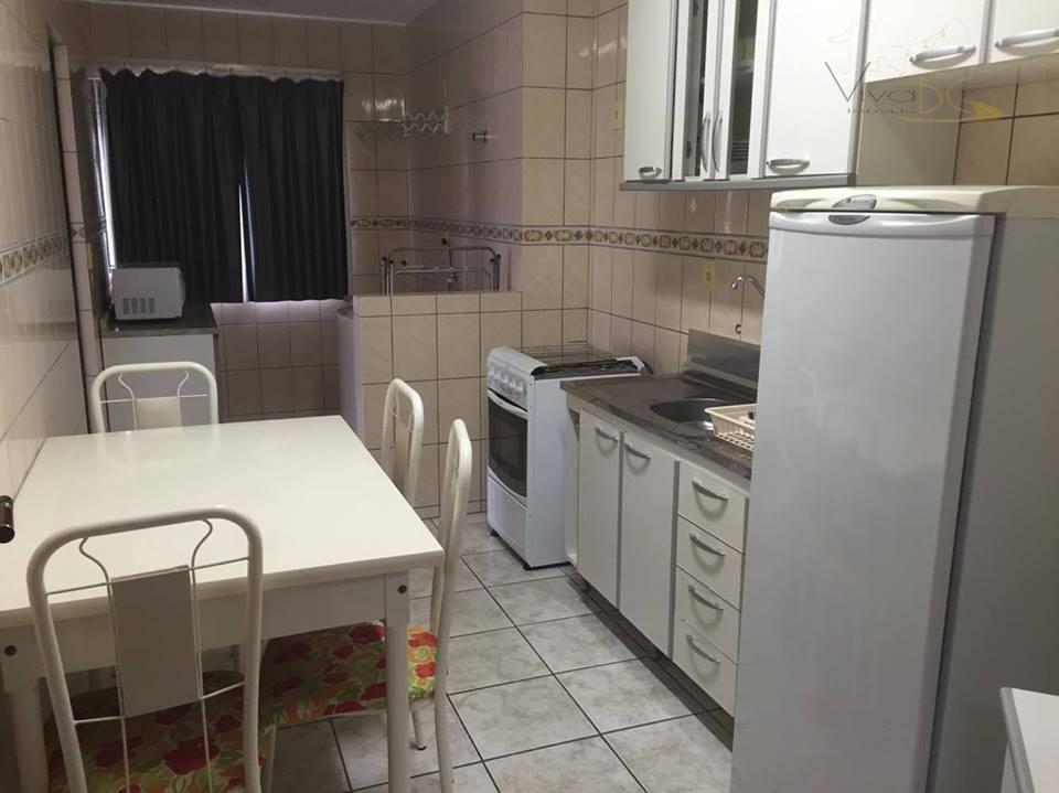 Belíssimo  apartamento á 50 metros da avenida atlântica.