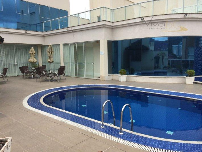 Belíssimo Apartamento 03 suítes 01 com hidro á 50 metros do mar
