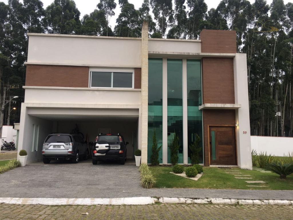Ótima Casa em Cond. Fechado, com 4 Suítes, 4 Vagas, Lazer no Condomínio, no Bairro Ariribá.