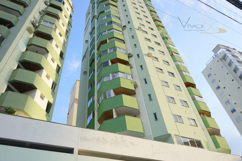 Ótimo Apartamento com 2 Dorm(sendo 1  Suíte), 1 Vaga  e Área de Lazer no Pioneiros - Mobiliado.