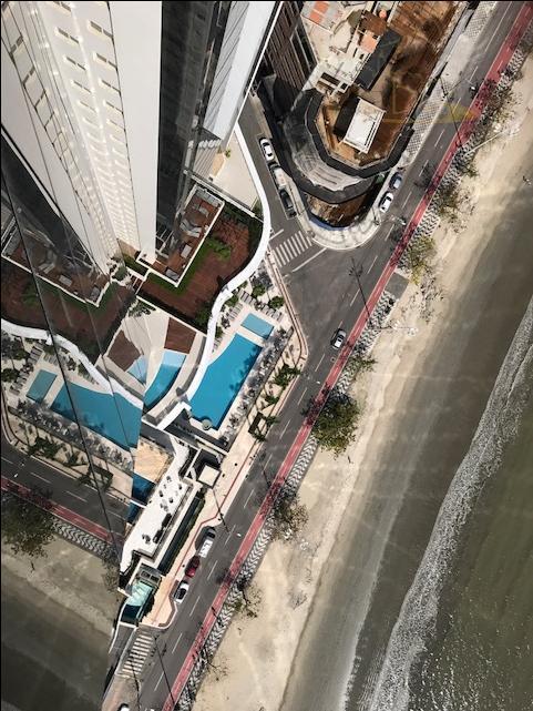 Luxuosa Cobertura na Barra Sul - 6 Suítes com 5 vagas, piscina privativa e Lazer Completo.