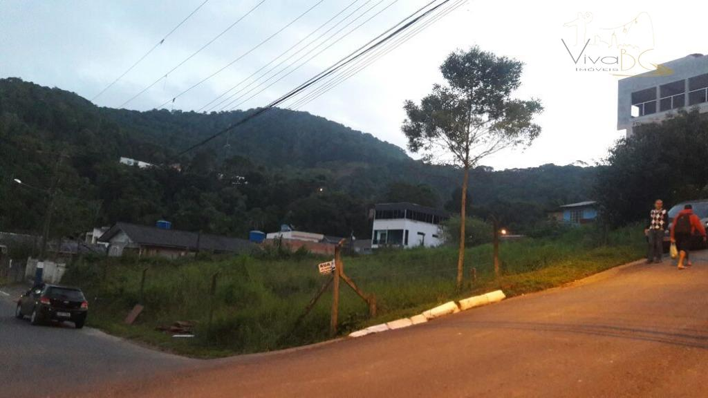 vende-sebairro das naçõesbalneário camboriú scterreno:maravilhoso terreno com dimensões de 24 x 50, medindo 1.200 m², com...