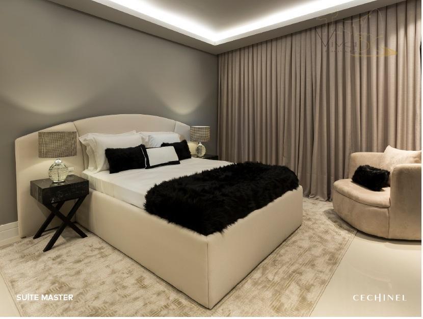 Excelente Apartamento FINAMENTE MOBILIADO com 3 Suítes, 4 Vagas de Garagens e Área de Lazer Completa - Poucos metros do mar.