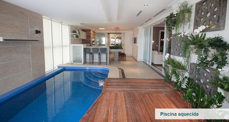 Luxuoso Apto frente mar com piscina privativa em cada Apto c/ 4 suítes e 6 vagas - centro de Bal. Camboriú - SC.