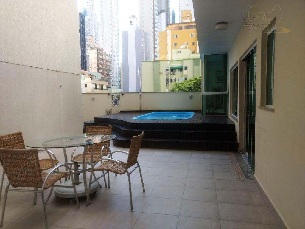 Ótimo Apto Dif. com 3 Dormitórios (sendo 1 Suite), 2 Vagas, Amplo Terraço com Piscina e Hidro - Mobiliado, no Pioneiros.