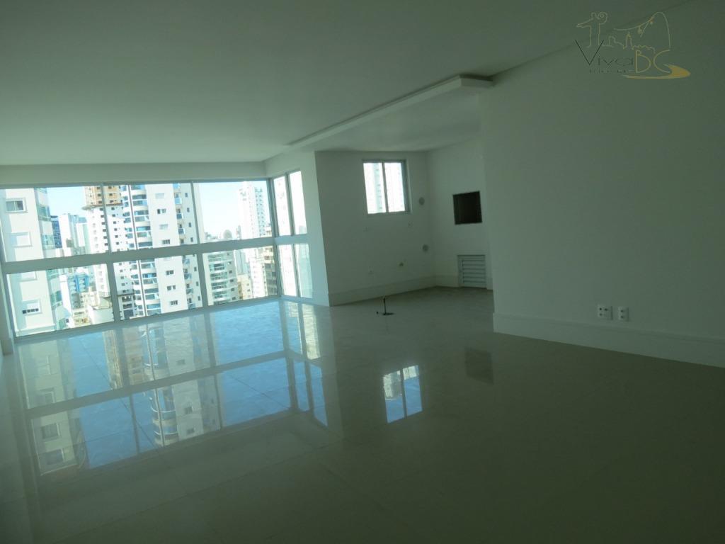 apartamento alto padrão, novo em balneário camboriú - localizado na esquina da 3110 com 3 avenida....