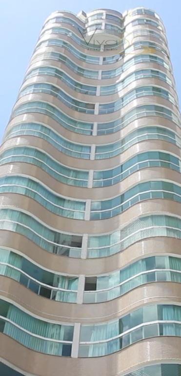 Apartamento 2 suítes  no Pioneiros