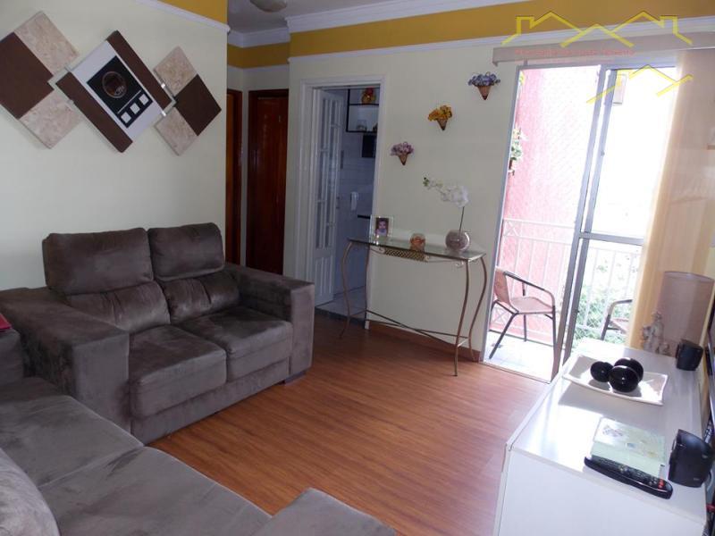 Apto. 2 dormitórios rico em armários... Lindo!!!