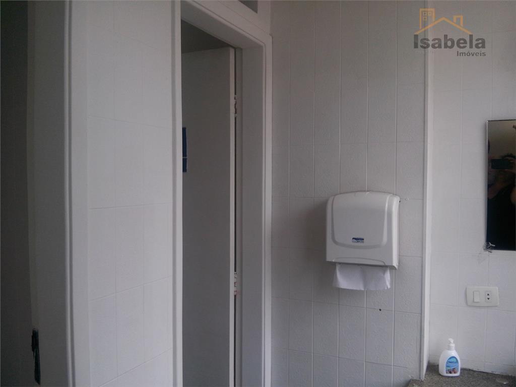 imóvel com 2 por andar, sendo 6 salas com ar condicionado, copa, wcs, recepção , 3...