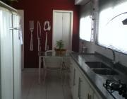 com 3 suites armários, closet, sala 4 ambientes com varanda goumert, fechada em vidro, cozinha planejada,...